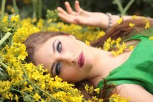 girl-1319114_1920