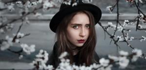 girl-1756727_1920