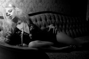 blonde-1789778_1920